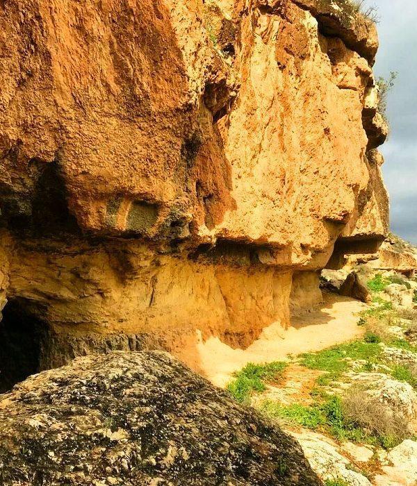 Iraq Al Amir - Ancient Caves