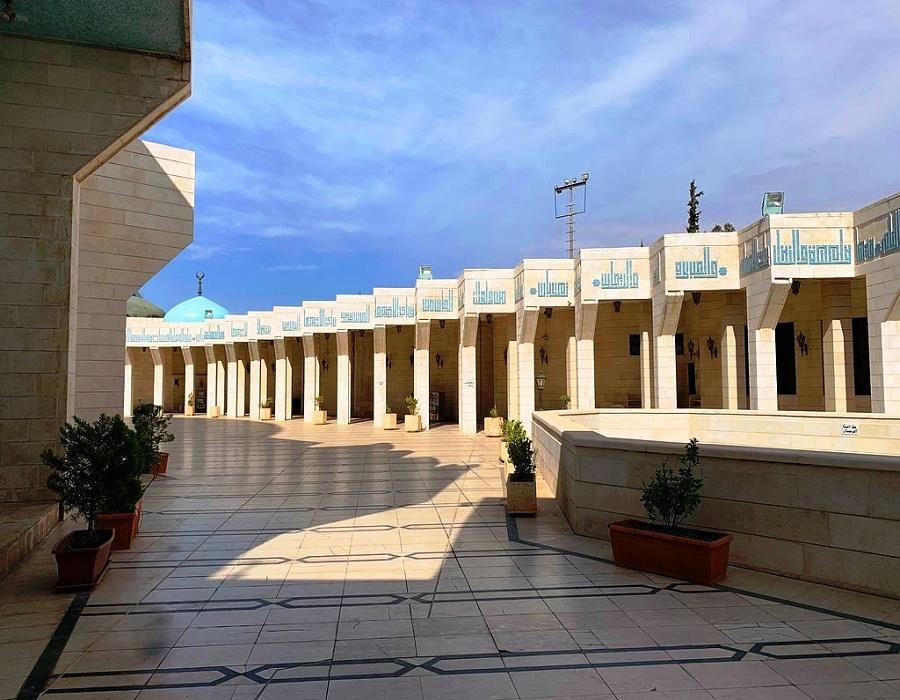King Abdullah - Corridors between buildings