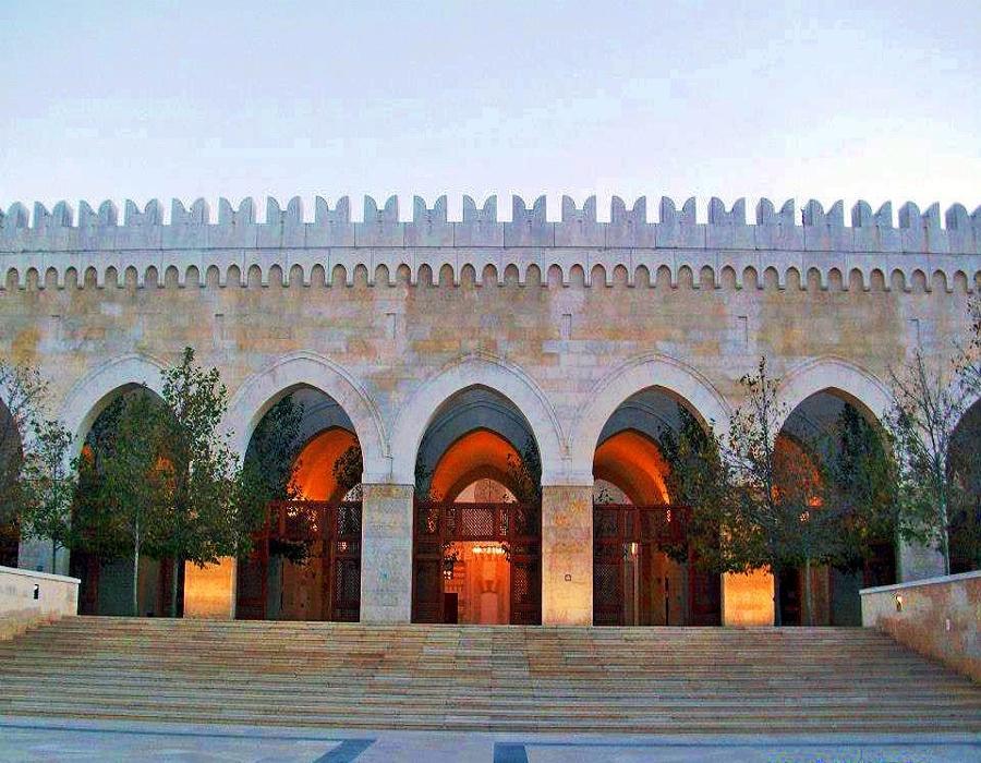 King Hussein Bin Talal Mosque side view