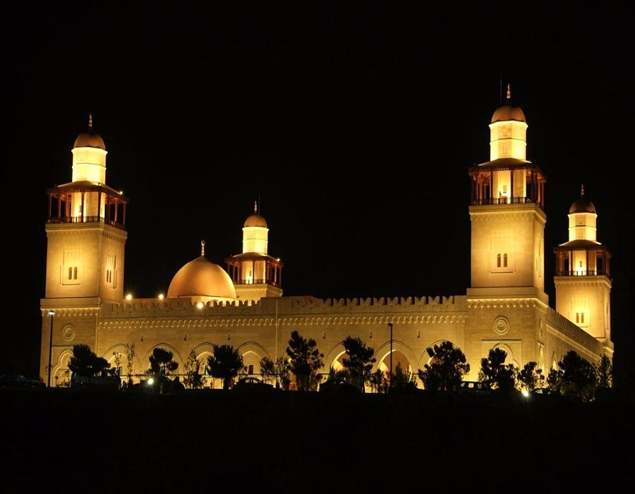 King Hussein Mosque at night
