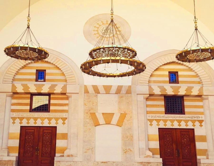 King Hussein Bin Talal Mosque inside view