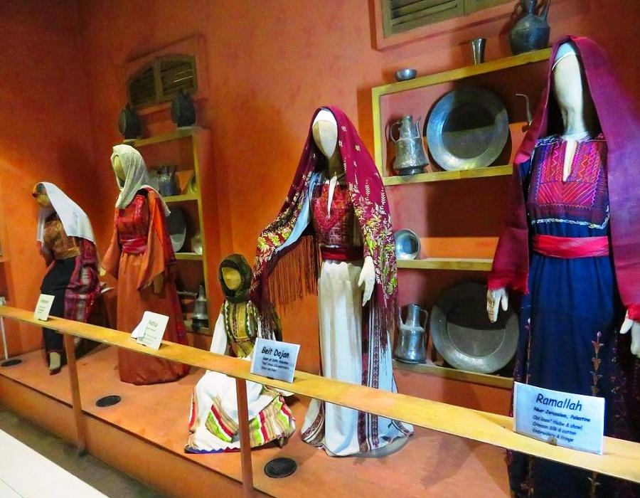 Jordanian Museum of Popular Traditions - Palestinian costumes from Ramallah and Beit Dajan