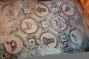 Qasr al-Hallabat - Mosaic floor